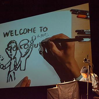 文字から即興で絵に!<br /> キン・シオタニのドローイングシアター
